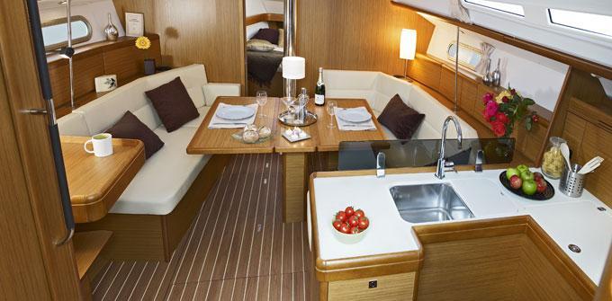 enjoy_Greek_islands_sail_to_Santorini