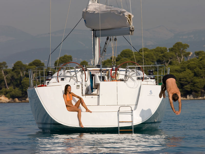 Oceanis_54_eolia yacht club_sailing in Greece