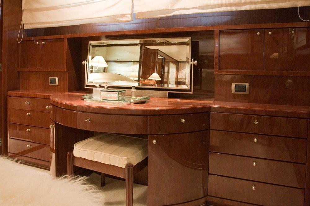 Polar-Star-SAN-LORENZO-Motor-Yacht-charter-in-Greece-rent-boat-luxury-rental-