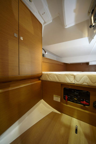 Sun_Odyssey_4_cabins_charter_in_Greece