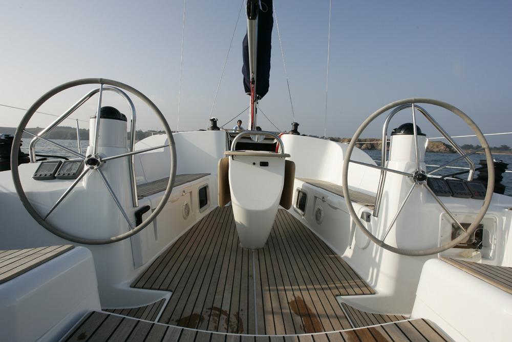 rent_boat_bareboat_3_Cabins_sail_to_Santorini