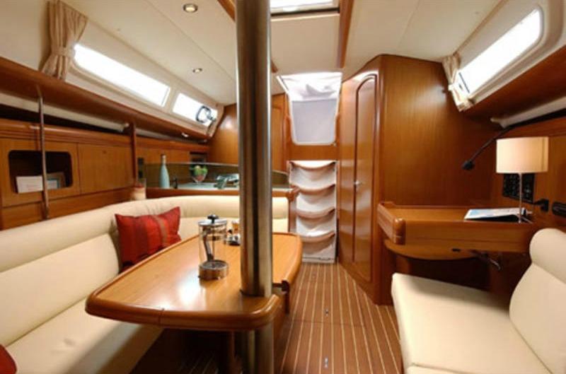 Sun Odyssey 36i_eolia yacht_club