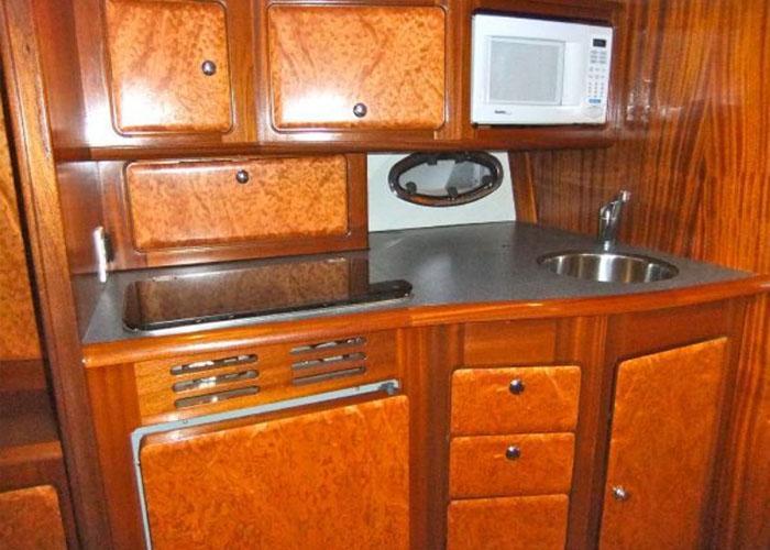 bavaria-330-kitchen
