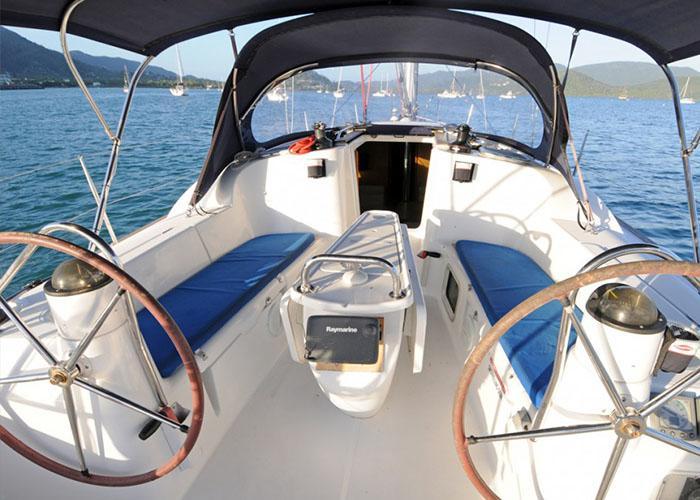 Sun Odyssey 39i Cockpit