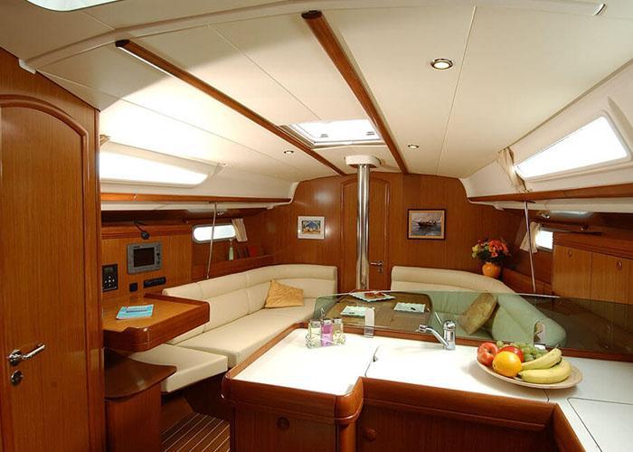 Sun Odyssey 39i Living Room 1
